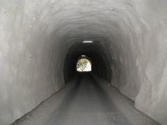 折古のトンネル。ちょっとコワイ・・・