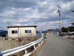 この辺りは外浦港。50mも行けば水軍スカイライン